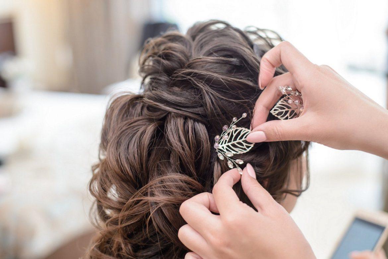 Upięcie ślubne szyte na miarę – porady stylistki fryzur!